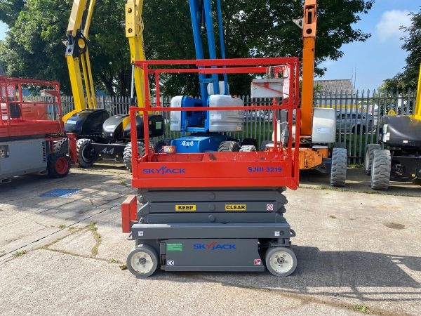 side view lifter in yard