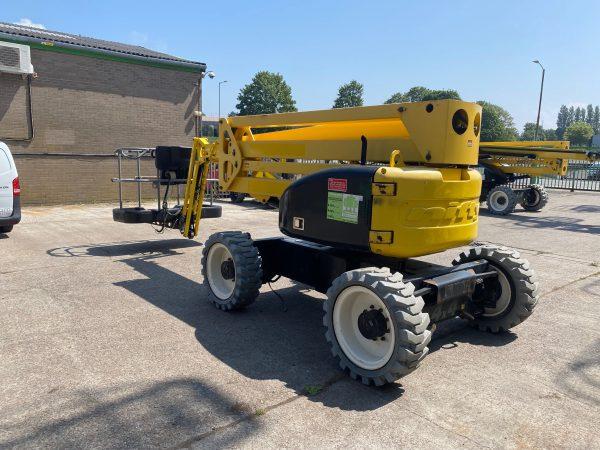 rear facing yellow lifter