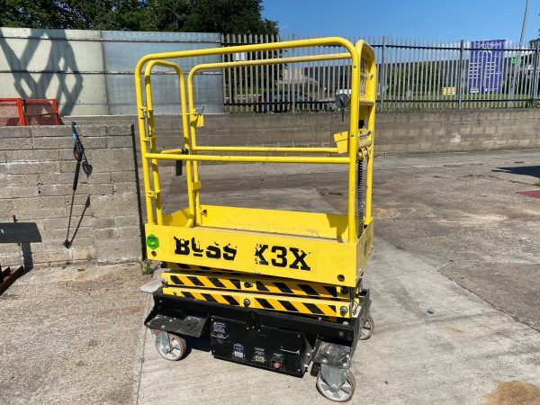 side view yellow lifter