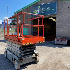 Scissor lift front and center